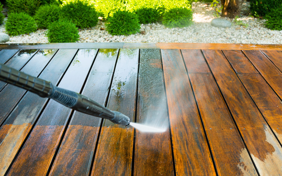 The Difference Between Soft Washing & Power Washing